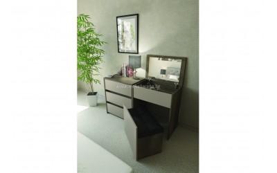 Скрин и тоалетка с табуретка-ракла Бриз - по поръчка