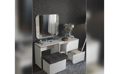 Скрин, тоалетка с огледало и табуретка-ракла Изида - по поръчка